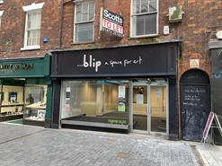 648 SF High Street Shop for Rent  |  8 Victoria Street, Grimsby, DN31 1DP