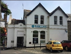 921 SF High Street Shop for Sale  |  2 Traflagar Square, Fowey, PL23 1BA