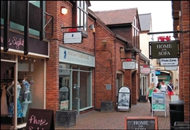 225 SF High Street Shop for Rent  |  5 Old Red Lion Court, Stratford Upon Avon, CV37 6AB