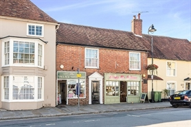 741 SF High Street Shop for Rent  |  31 The Square, Fareham, PO14 4RT