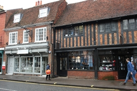 830 SF High Street Shop for Rent  |  113 WEST STREET, FARNHAM, GU9 7HH