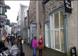 1,355 SF Shopping Centre Unit for Rent  |  4 Wainwrights Yard, Kendal, LA9 4DP