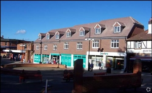 2,211 SF High Street Shop for Rent  |  419 - 431 Bitterne Road, Southampton, SO18 5EE
