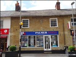 462 SF High Street Shop for Rent  |  Restways, Gillingham, SP8 4AA
