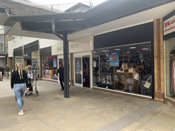 1,918 SF Shopping Centre Unit for Rent  |  Unit 3/4 The Spires, Barnet, EN5 5XY