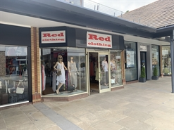 1,013 SF Shopping Centre Unit for Rent  |  Unit 5 The Spires, Barnet, EN5 5XY