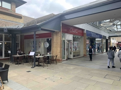 1,272 SF Shopping Centre Unit for Rent  |  Unit 21 The Spires, Barnet, EN5 5XY