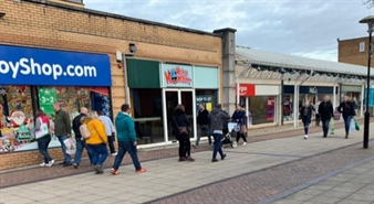 920 SF Shopping Centre Unit for Rent  |  30 West Walk, Yate Shopping Centre, Bristol, BS37 4AX