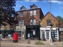 983 SF High Street Shop for Rent  |  126 High Street, Berkhamsted, HP4 3AT