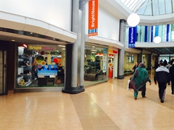 2,628 SF Shopping Centre Unit for Rent  |  Unit 1-2, Hale Leys Shopping Centre, Aylesbury, HP20 1TN