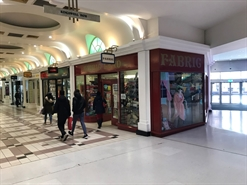 1,033 SF Shopping Centre Unit for Rent  |  49 Cascades Shopping Centre, Portsmouth, PO1 4RR