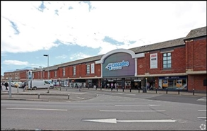 1,341 SF Shopping Centre Unit for Rent  |  Unit 30 Cascades Shopping Centre, Portsmouth, PO1 1BU