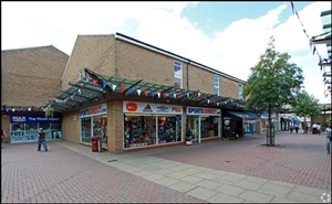 855 SF Shopping Centre Unit for Rent  |  Bowen Square Shopping Centre, Daventry, NN11 4DR