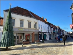 2,760 SF High Street Shop for Rent  |  46 Toll Gavel, Beverley, HU17 9AR